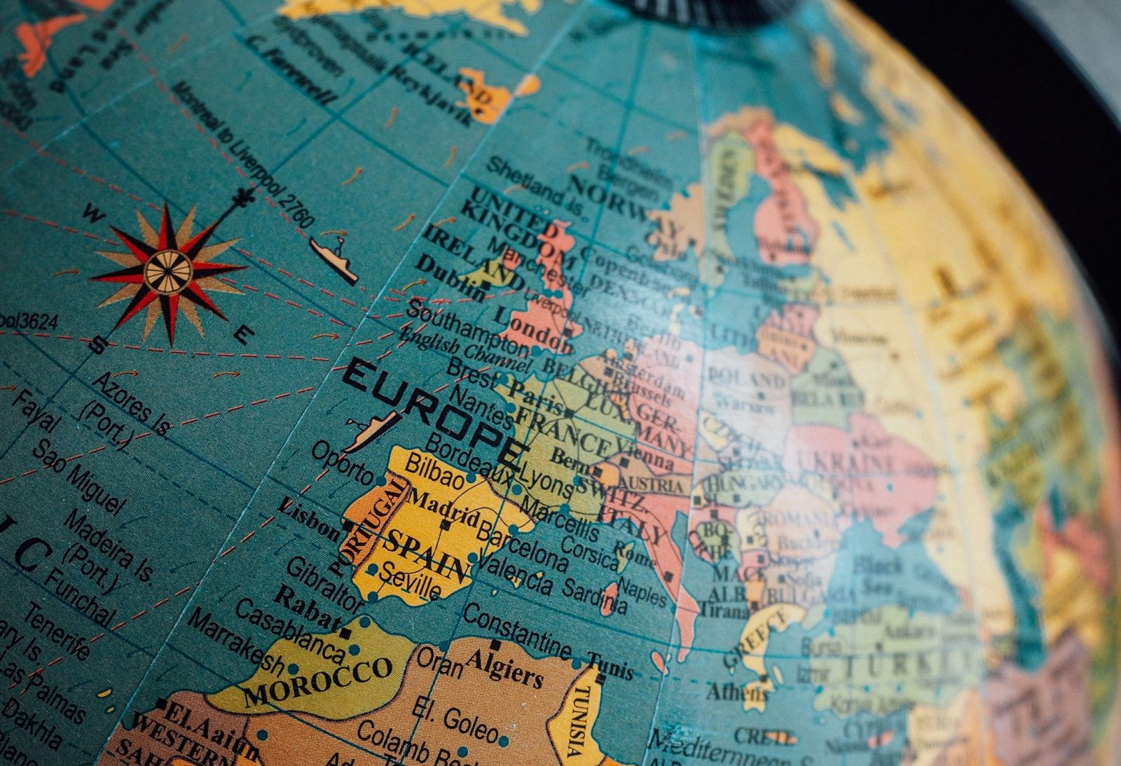 Should You Invest in European Stocks? (Advantages and ...